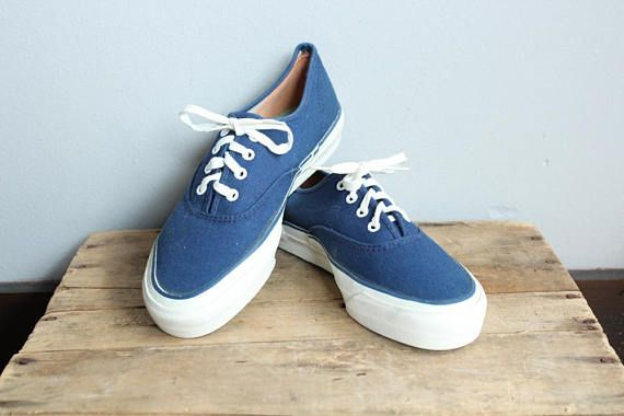 1950s Keds Sneakers    Keds Summer Boat Shoes    vintage 50s canvas ... 5dc2bd25933