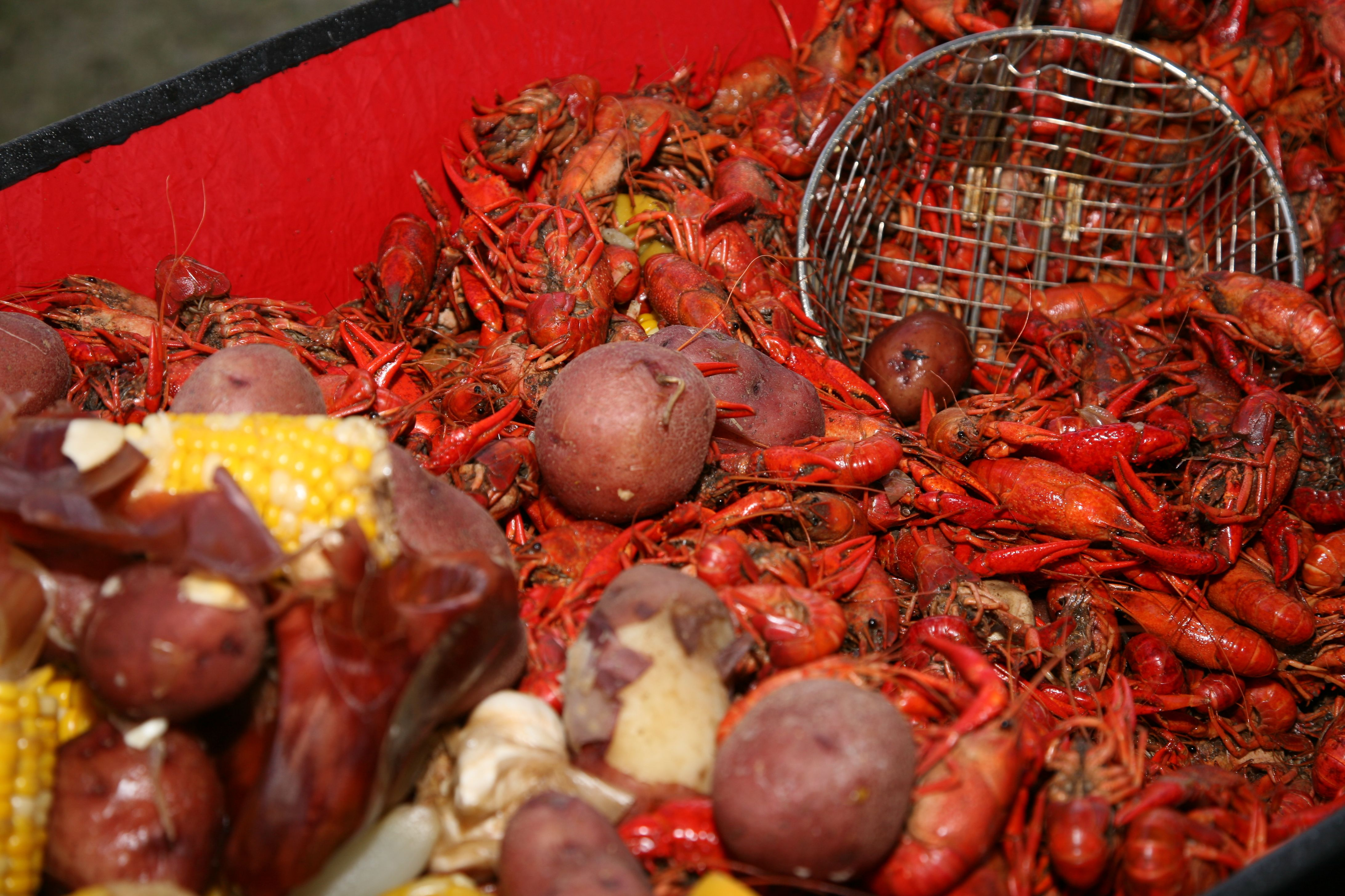 Craving Crawfish? Sign up today for our Golf Fest on April