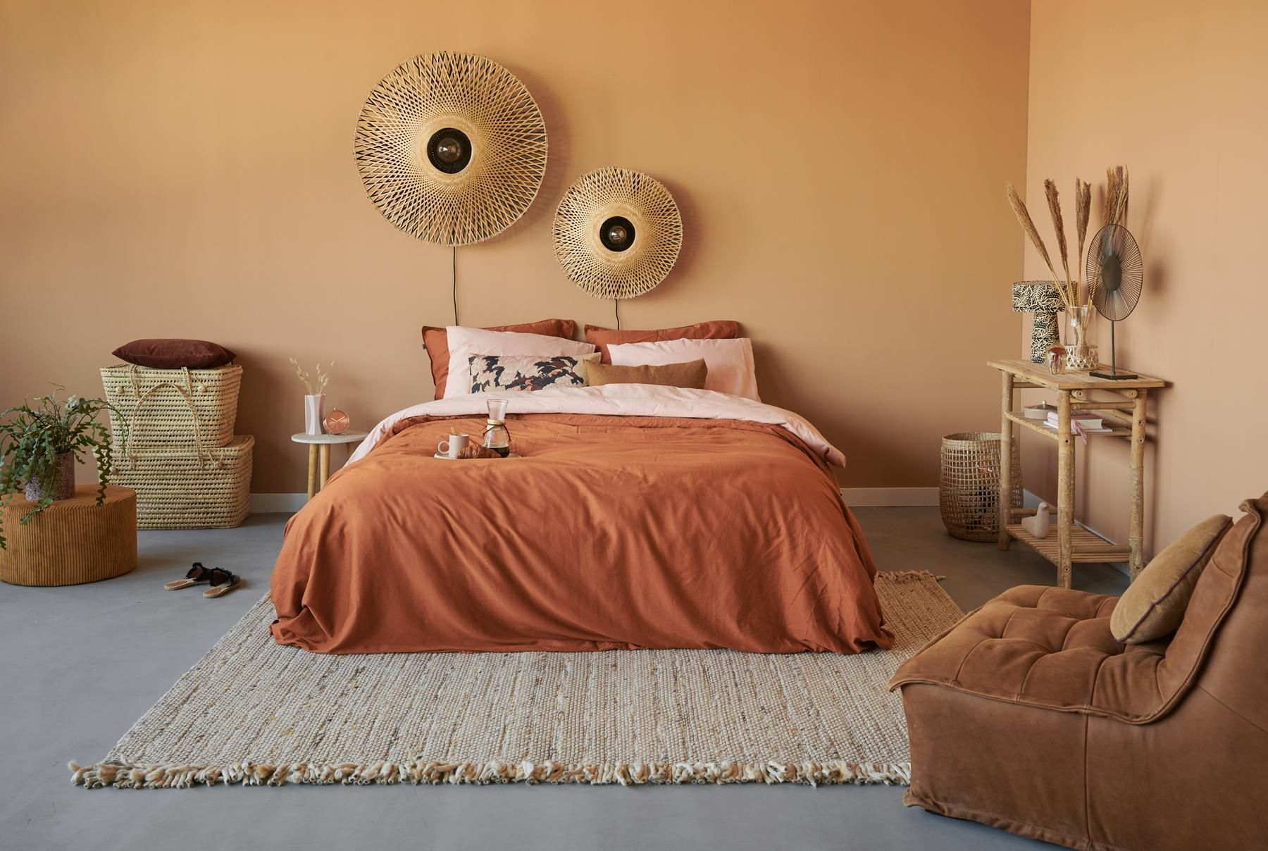 Shop de look: warm terra & pink in de slaapkamer