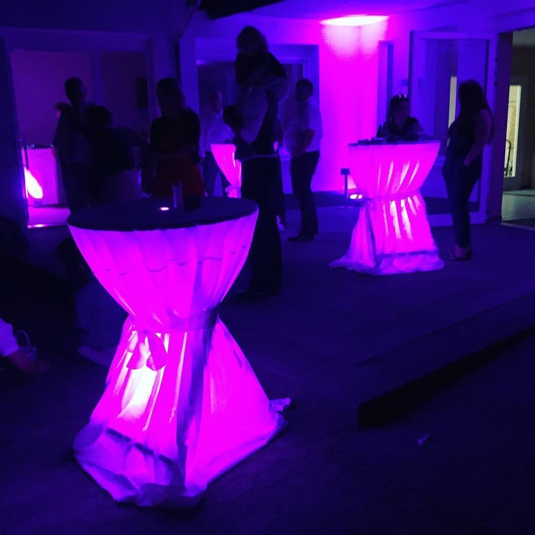 Beleuchtete Stehtische Tape 2 Dj Auflegen Djanelillydeloca Music Instadj Stehtisch Beleuchten Tisch