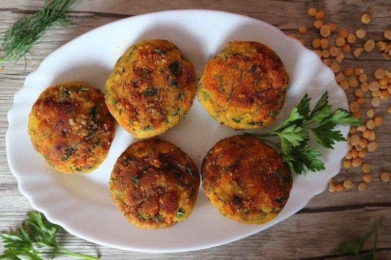 Erbsen Frikadellen Vegan Leckeres Rezept Mit Wenig Zutaten In 2020 Rezepte Lecker Essen