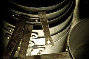 Use home remedies to clean aluminum pots.