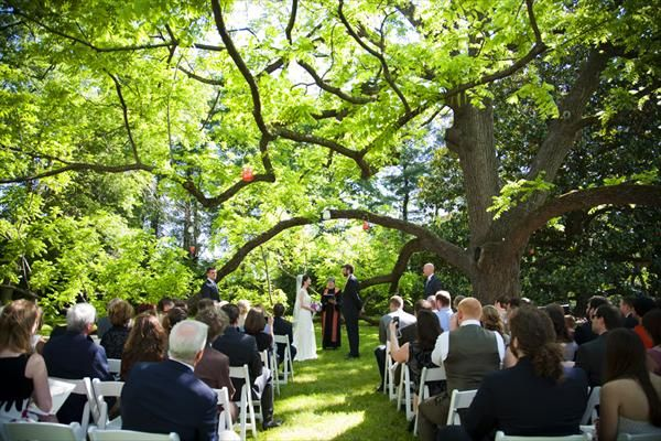 See Mountain Magnolia Inn A Beautiful Asheville Garden Wedding Venue Find Prices Detailed Info And Photos For North Carolina Reception