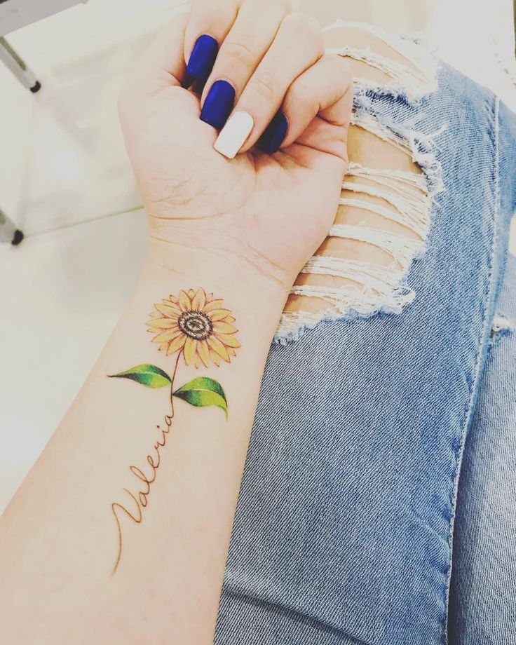 Celebrate The Beauty Of Nature With These Inspirational Sunflower Tattoos Tattoos For Daughters Sunflower Tattoos Tattoos