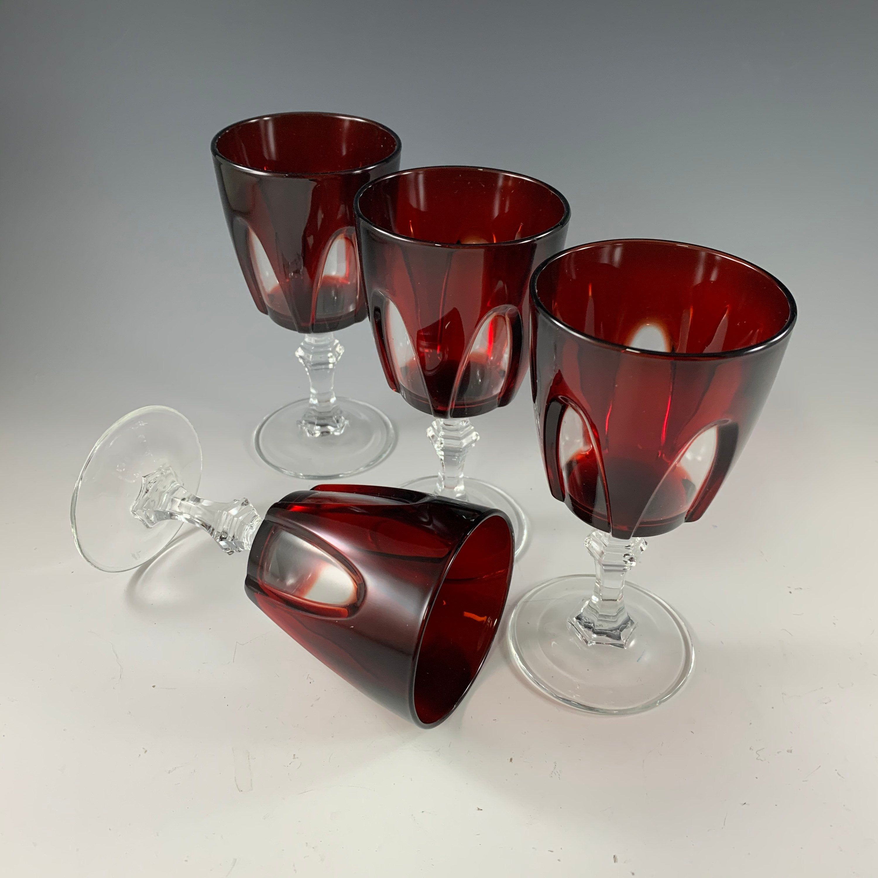 Cristal D Arques Gothic Wine Glasses Set Of 4 In 2020 Gothic Wine Wine Glasses Arques