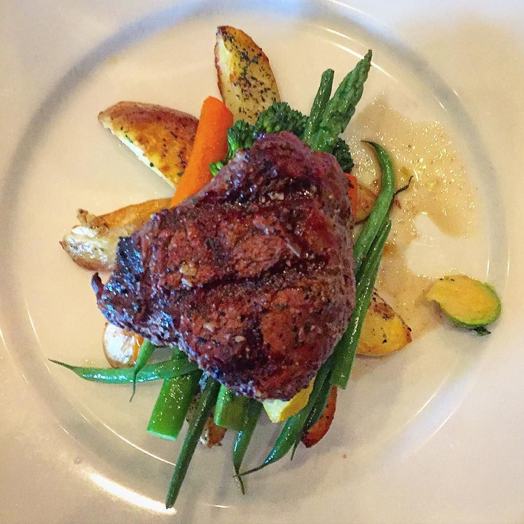 I just enjoyed night 1 of #LVRW at @table34lasvegas with @pbandjulie and this luscious @certifiedangusbeef tenderloin  @threesquarelv (no link)