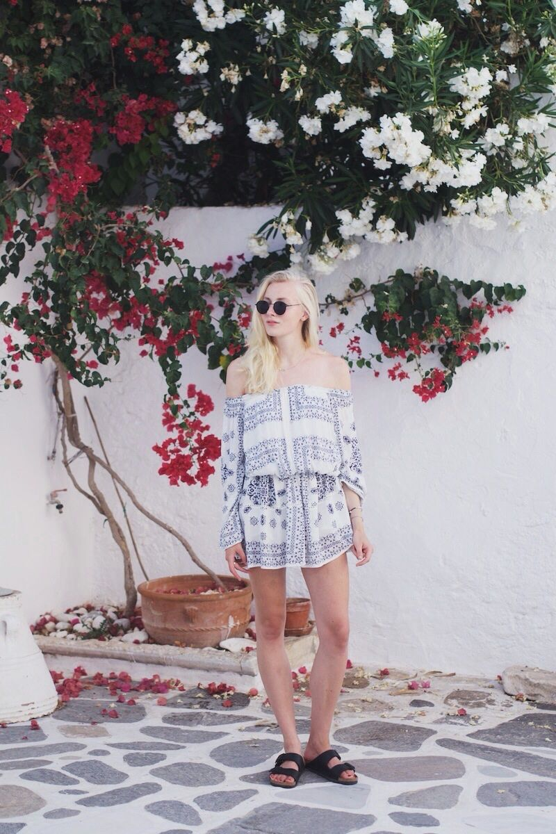Anne Stikvoort: PRINTED DRESS ON PAROS