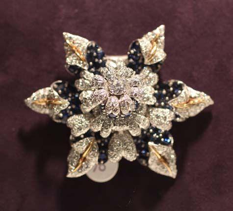 Exposición Elizabeth Taylor - Jean Schlumberger de diamantes y zafiro Broche