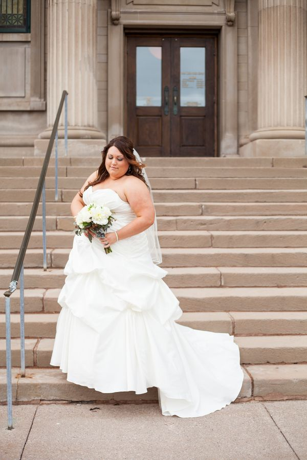Real Plus Size Wedding} A Gilded Teal Event in Michigan ...