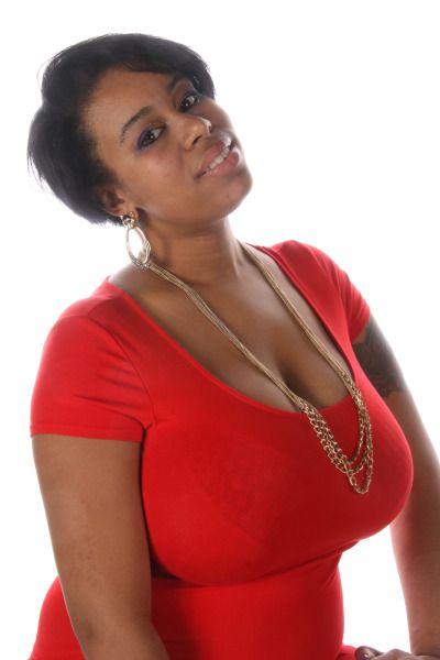 Ebony breasts foto 11