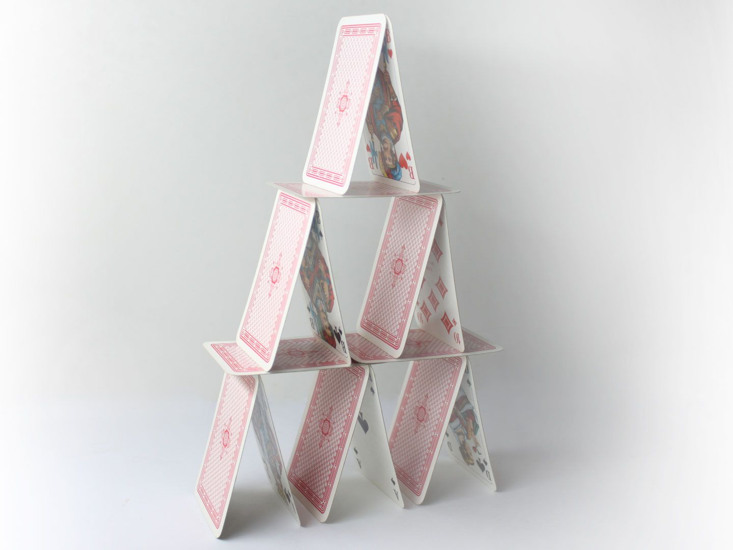 how to build a tower of cards  card tricks simple cards