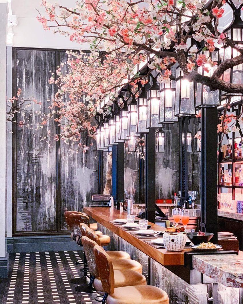 Louis Vuitton S First Ever Cafe Restaurant By Peter Marino And Jun Aok Bar Design Restaurant Cafe Design Restaurant Interior Design