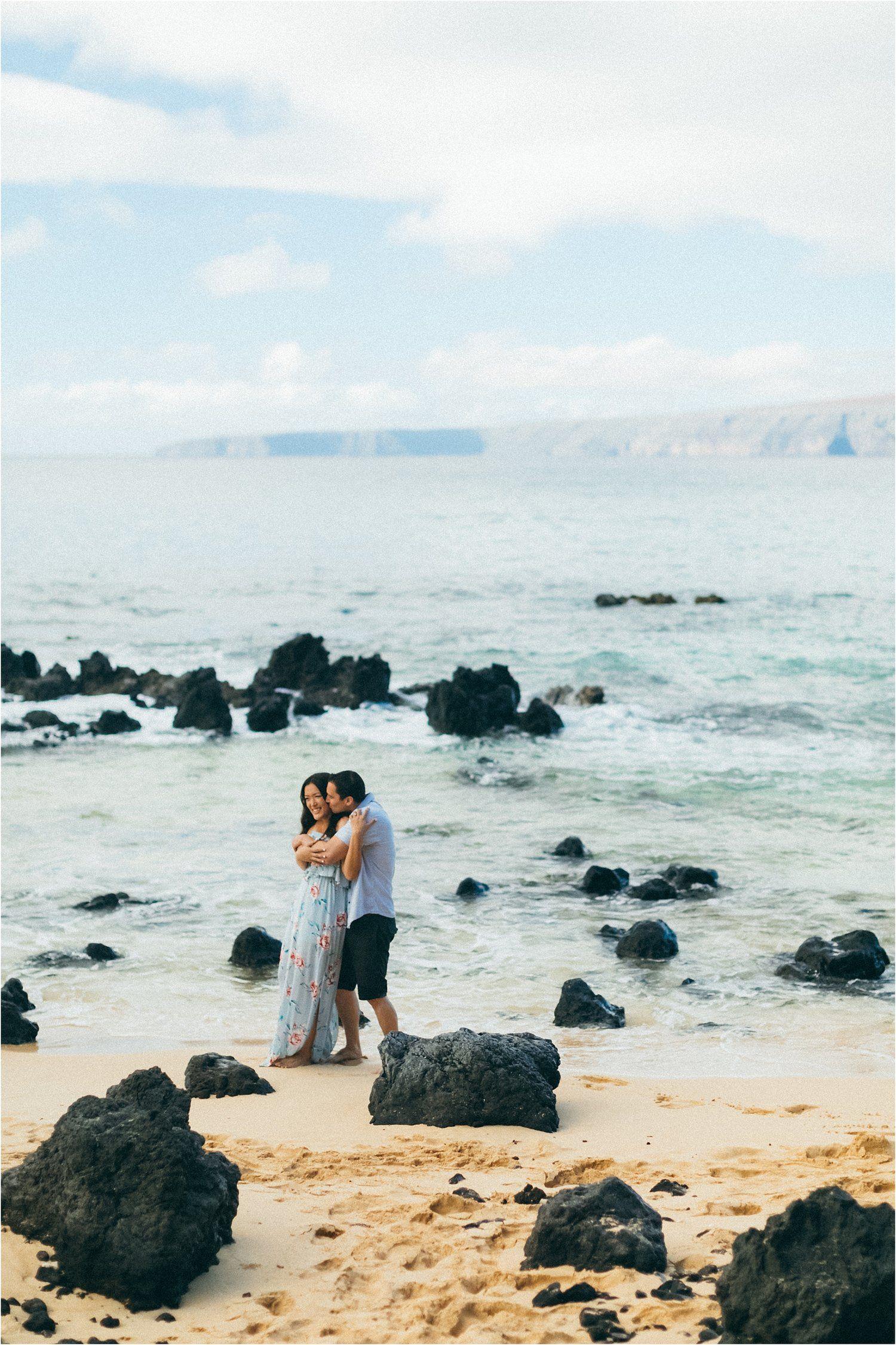 Maui Engagement Sesssion Wedding Photographer Makena Cove Beach Aka Secret Hawaii