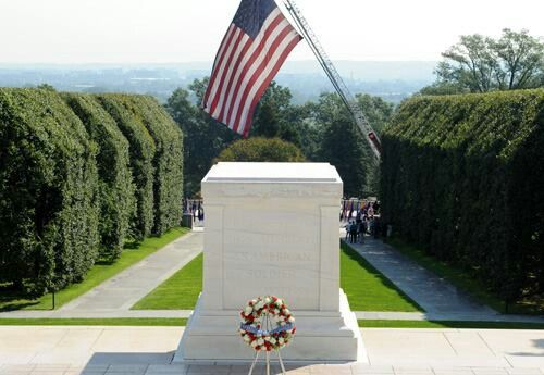 Vietnam Veterans Memorial Fund The United States Emergency Chaplain Corps Takes Part In An Annu Arlington National Cemetery Vietnam Veterans Memorial Arlington
