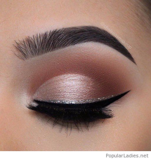 nude rose eye makeup with a silver glitter eye line