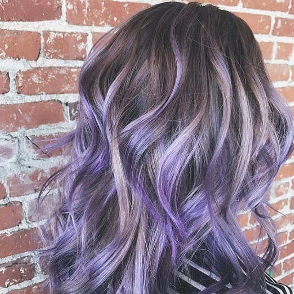 Beautiful smokey lavender hair that could make you so obsessed