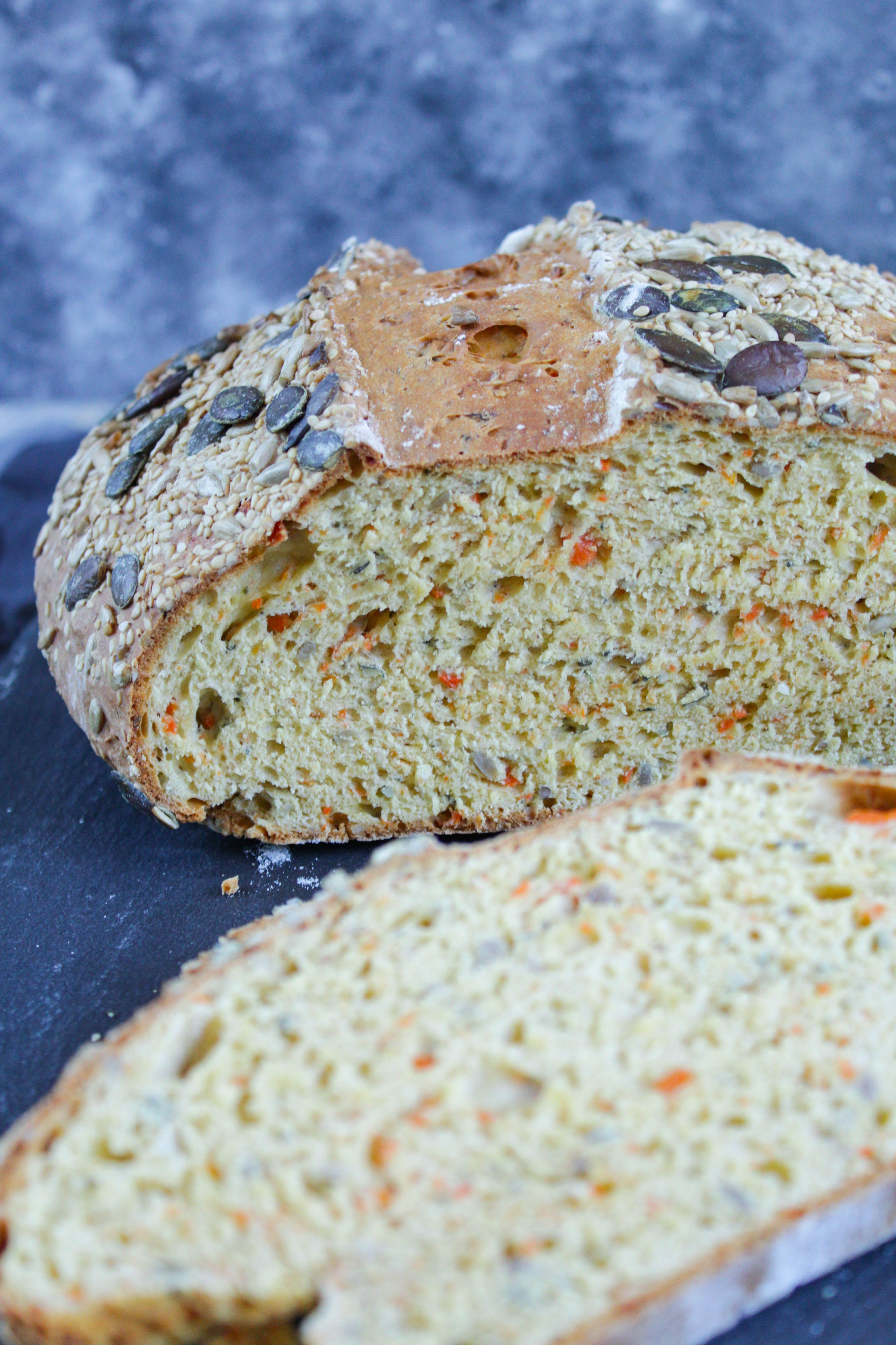 Joghurt Möhren Brot   ohne Hefe   Brot ohne hefe, Brot selber ...