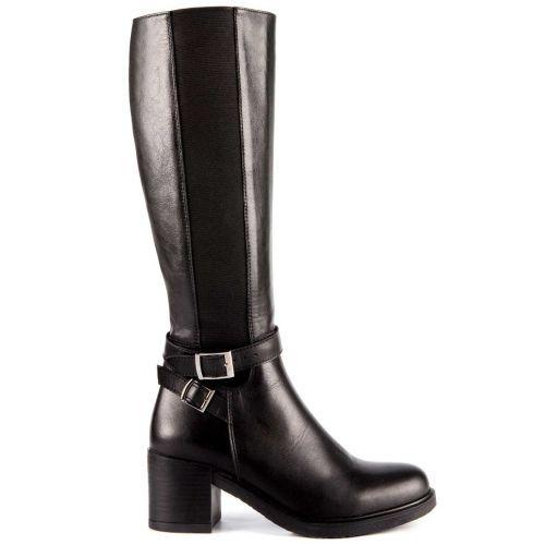 Μαύρη δερμάτινη μπότα με αγκράφες  e84059842ab