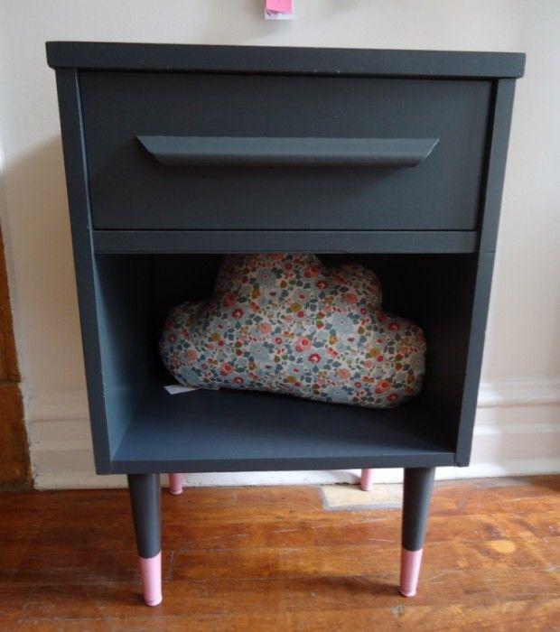 Table de chevet - 180$ BUK  NOLA - Products Pinterest Upcycle - vernir un meuble peint