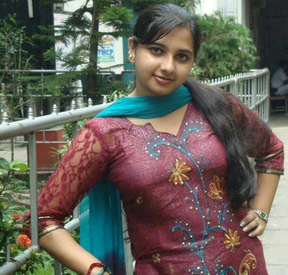 Cute Desi Keralite Girl Posing For Camera