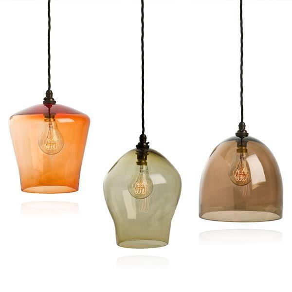 het britse merk curiousa curiousa maakt prachtige lampen van gekleurd glas ieder glazen lampje is handgeblazen dus uniek in vorm