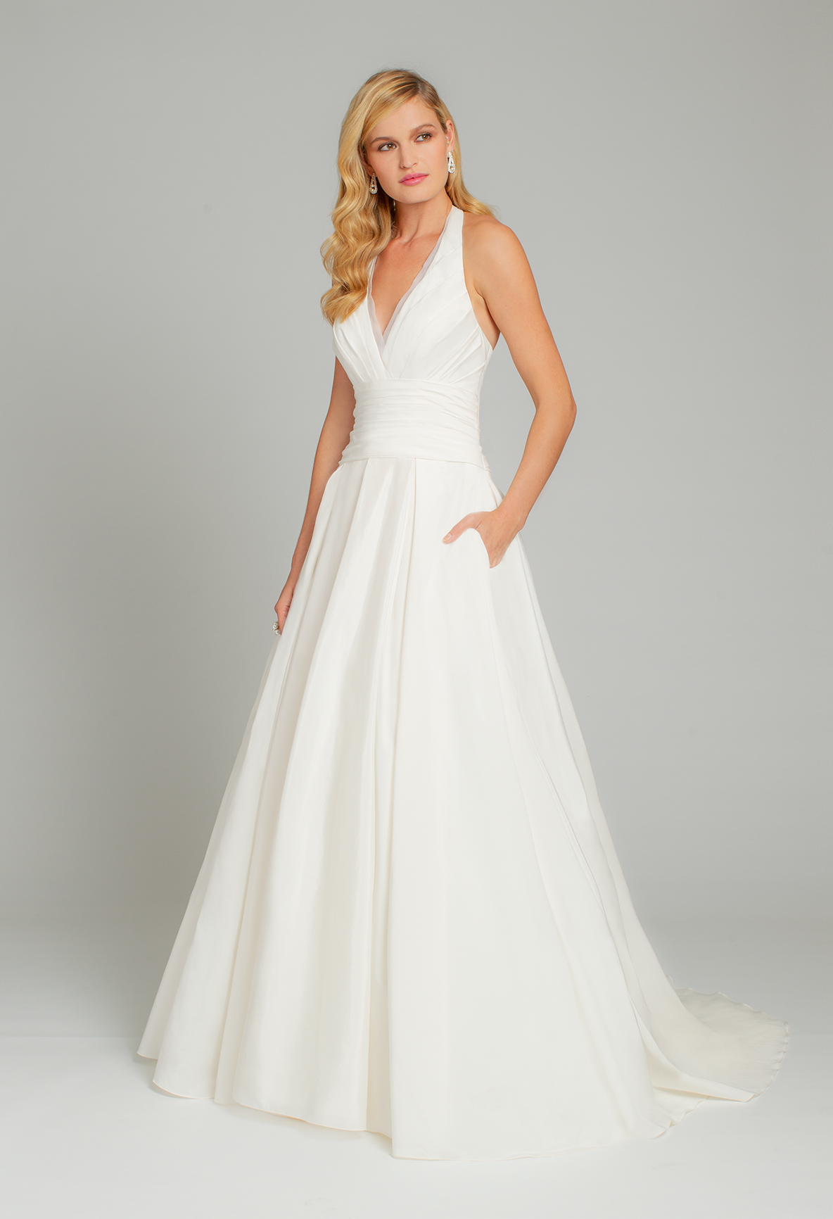 69bb3ef8485 Soft illusions create the most romantic allure you have always wanted on  your wedding day!