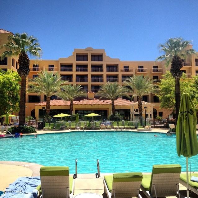 Renaissance Palm Springs Pool Biggest Pool In Palmsprings
