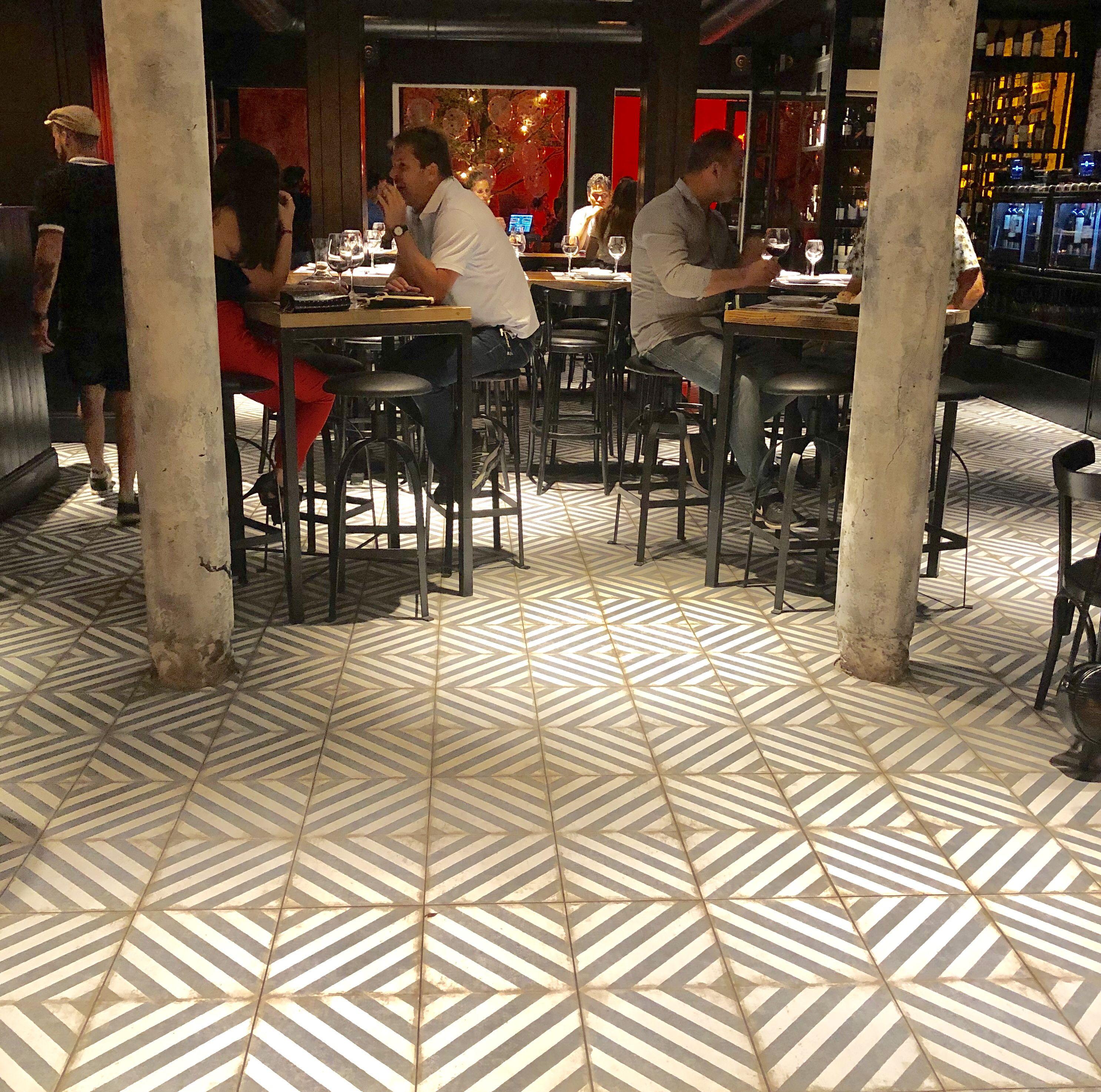 Ideas Cava Federal Bar De Vinos Cocinas Italianas Porcellanato