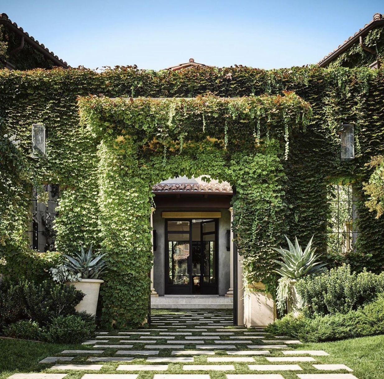Kourtney Kardashian's Home in AD | Calabasas homes ...