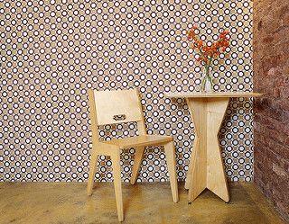 little giant chair & table | par Associated Fabrication