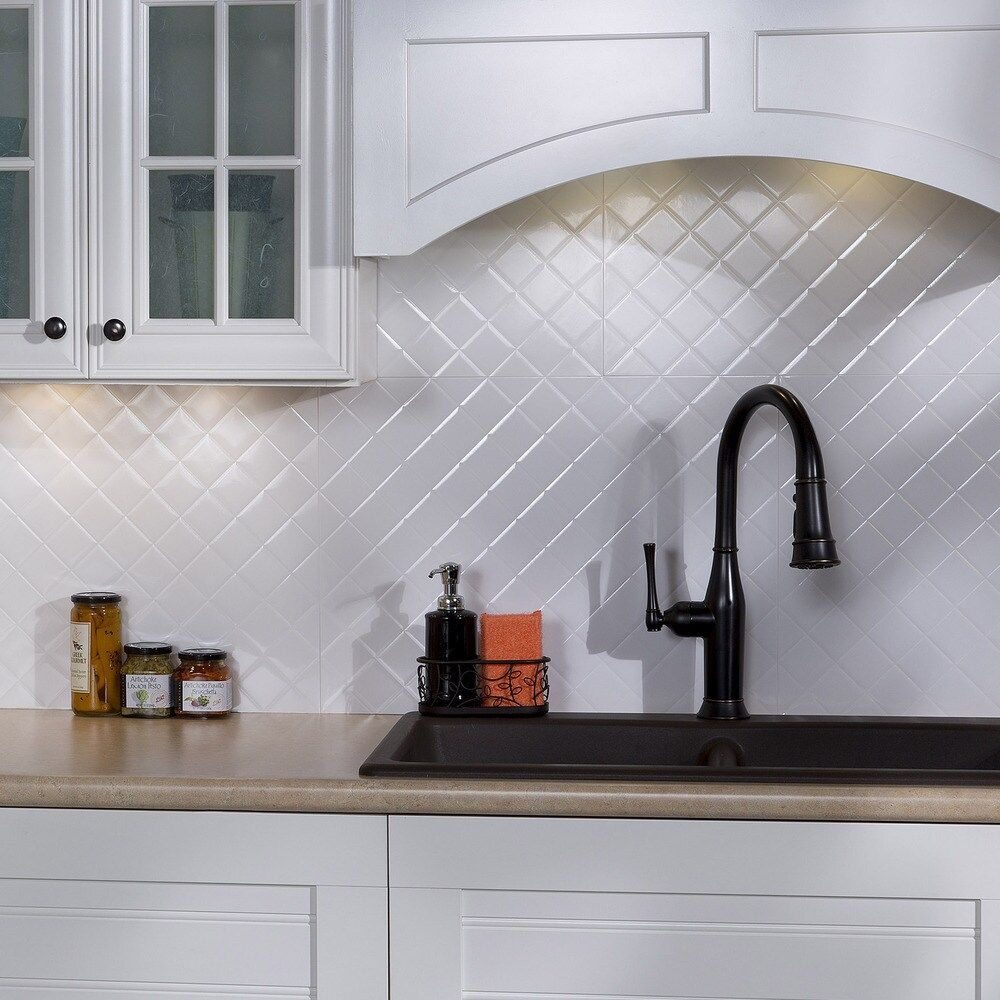Fasade Quilted Gloss White 18 Square Foot Backsplash Kit 18 X 24