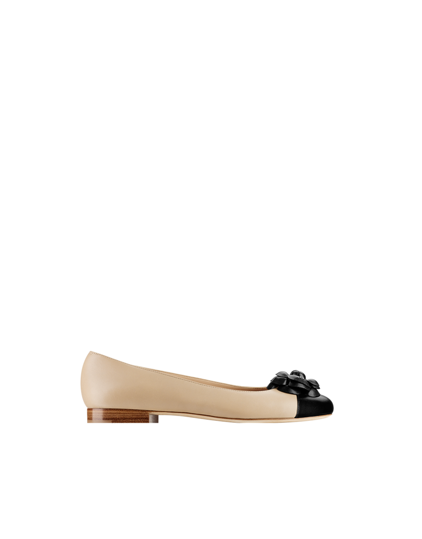 Chanel - 2014 Two tone calfskin flats with... - CHANEL