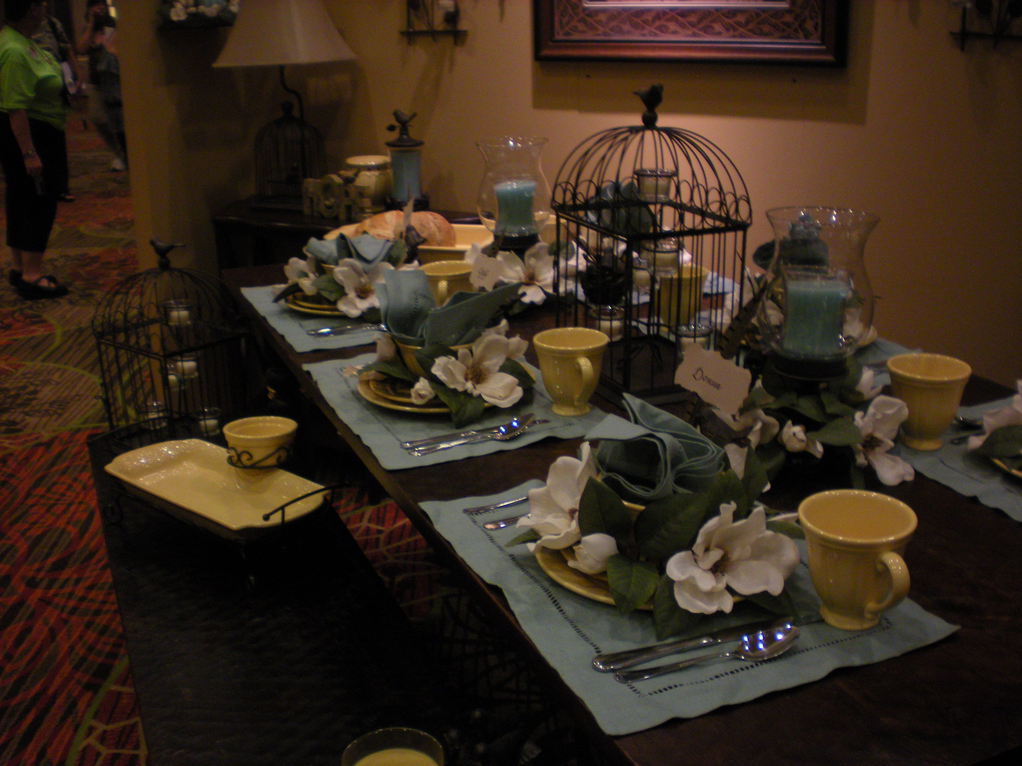 Soft Yellow Somerset Stoneware Sets A Pretty Table From Celebrating Home /sites/CricketW
