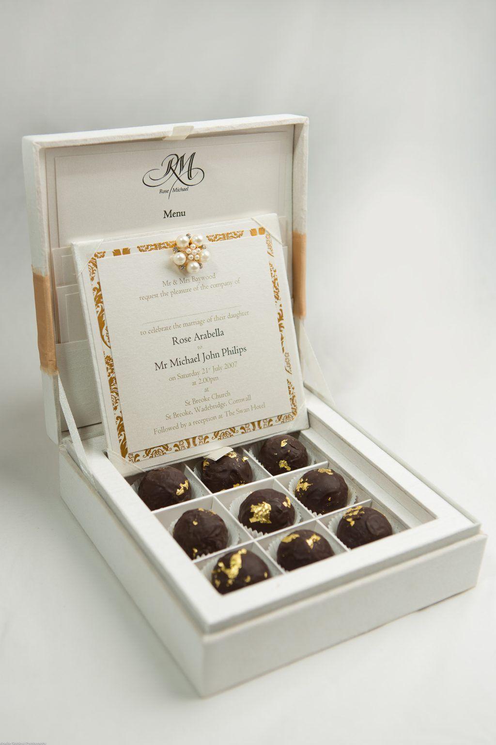 30 Box Wedding Invitations Chocolate