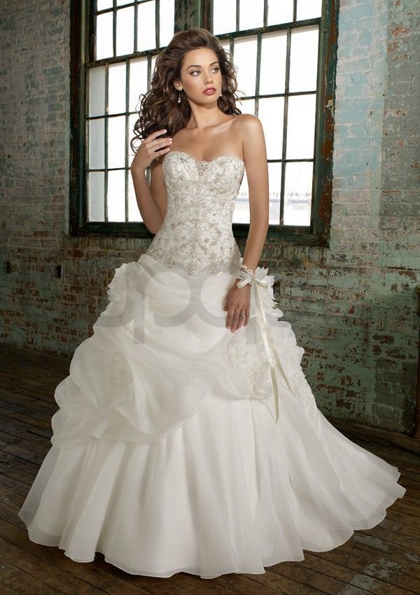 Ball Gown Duchess Satin Corset Bodice Sweetheart Strapless Neckline Chapel  Train Wedding Dresses(ML1211)