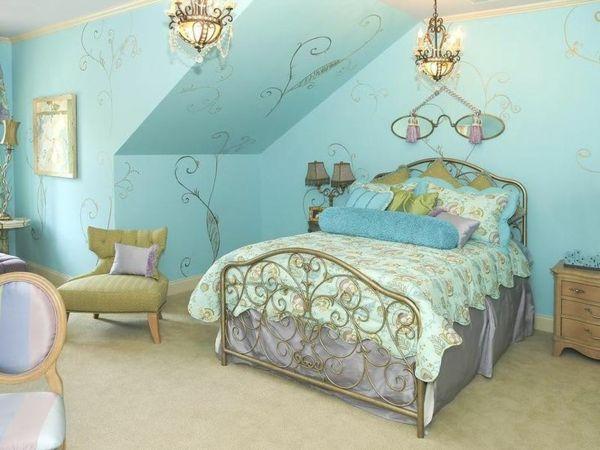 Jugendzimmer Mit Dachschräge Mädchen Grüne Farben Bett Dekoration
