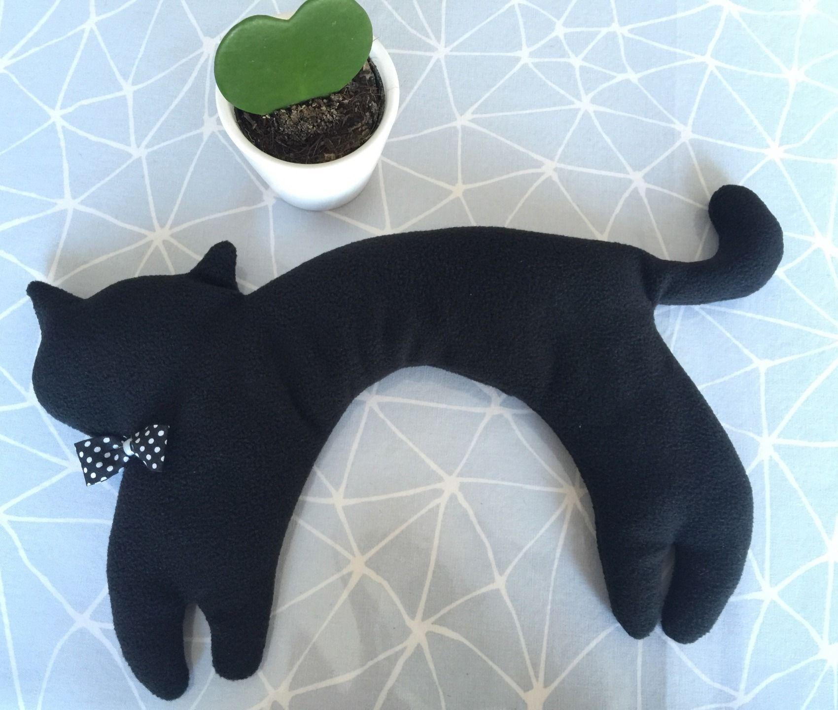 bouillotte s che chat noir en tour de cou garnie de bl tutos rigolos pinterest. Black Bedroom Furniture Sets. Home Design Ideas