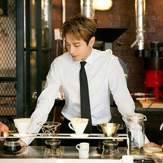 Barista Yh For This I Would Drink Coffee I Despise Coffee But This Kind Of Atmosphere Might Compensate Enough
