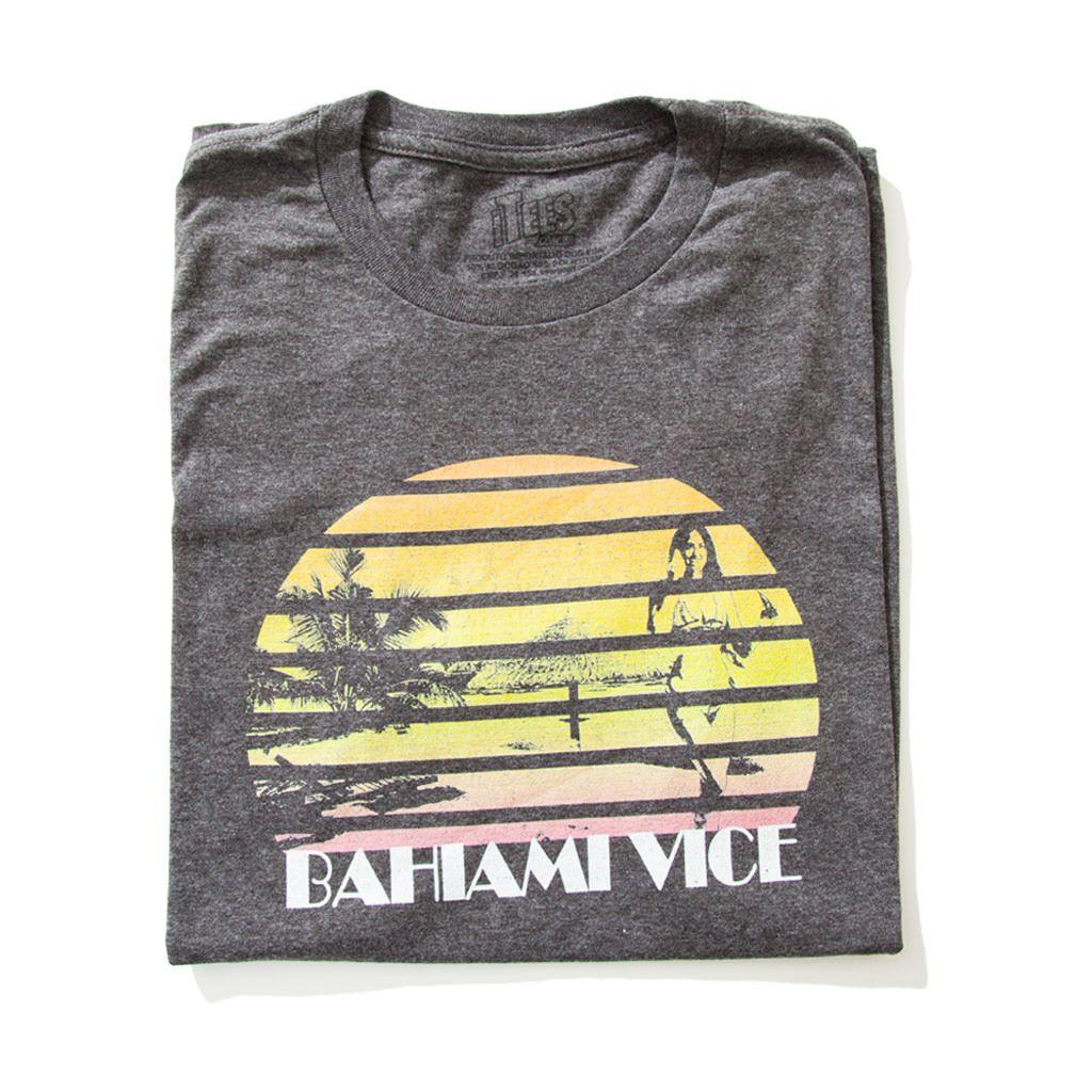 Camiseta Miami Vice Uma satira aos brasileiros viciados em Miami que faz alusão ao seriado Miami Vice dos anos 80. www.itees.com.br