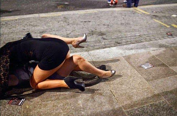 Фото что делают с пьяными бабами фото 494-169