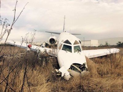 UPDATE PHOTOS Sabreliner 80 (N380CF) runway excursion at Querétaro, Mexico. @NoticiasMVS