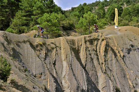 Transpyr Con Un Par De Ruedas Adventure Cycling Viajes Ruedas Rutas