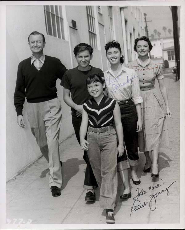 ee7e4ae90993 B'day celebrant Elinor Donahue with Father Knows Best cast members Robert  Young, Billy Gray, Lauren Chapin and Jane Wyatt - ca 1956