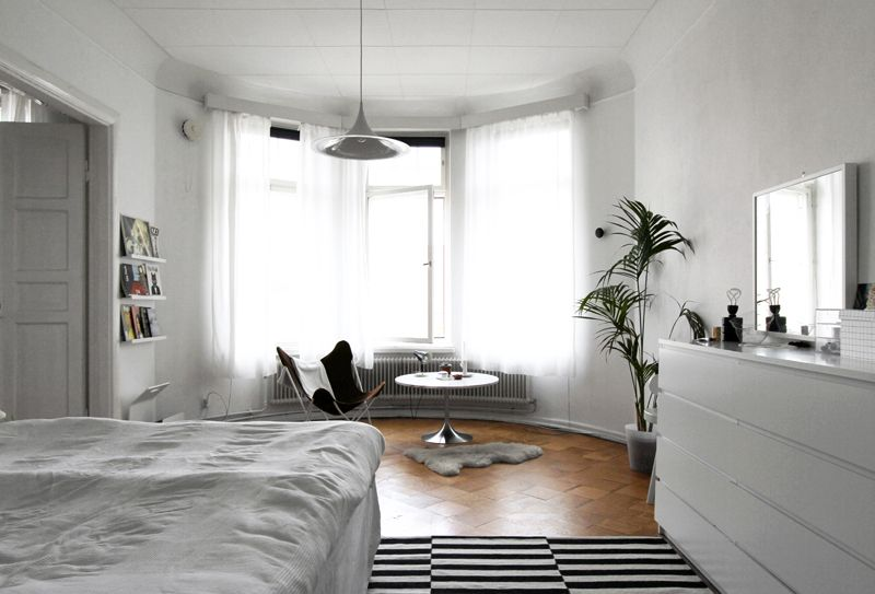 Black and white bedroom. A Finnish home, typical Scandinavian style ...