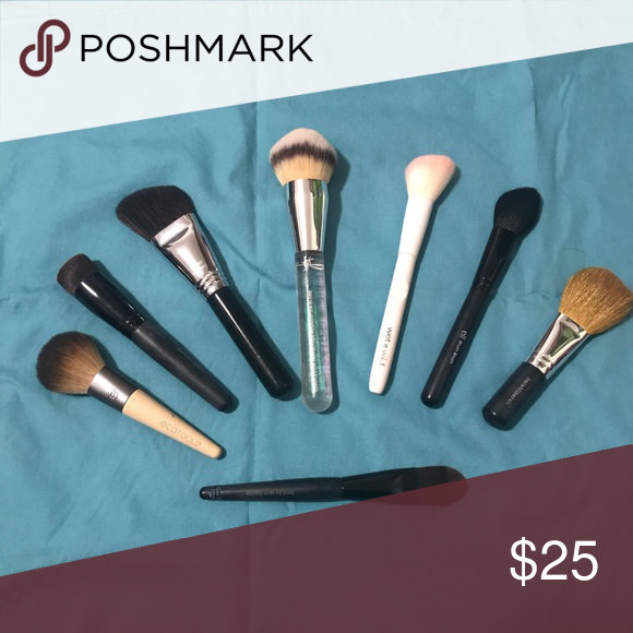 Face Brushes Assorted Face Brushes My It Cosmetics Wet N Wild Elf Bare Minerals Eco Tools Sigma And Mary Kay Makeup In 2020 Face Brush Brush Makeup Tools Brushes