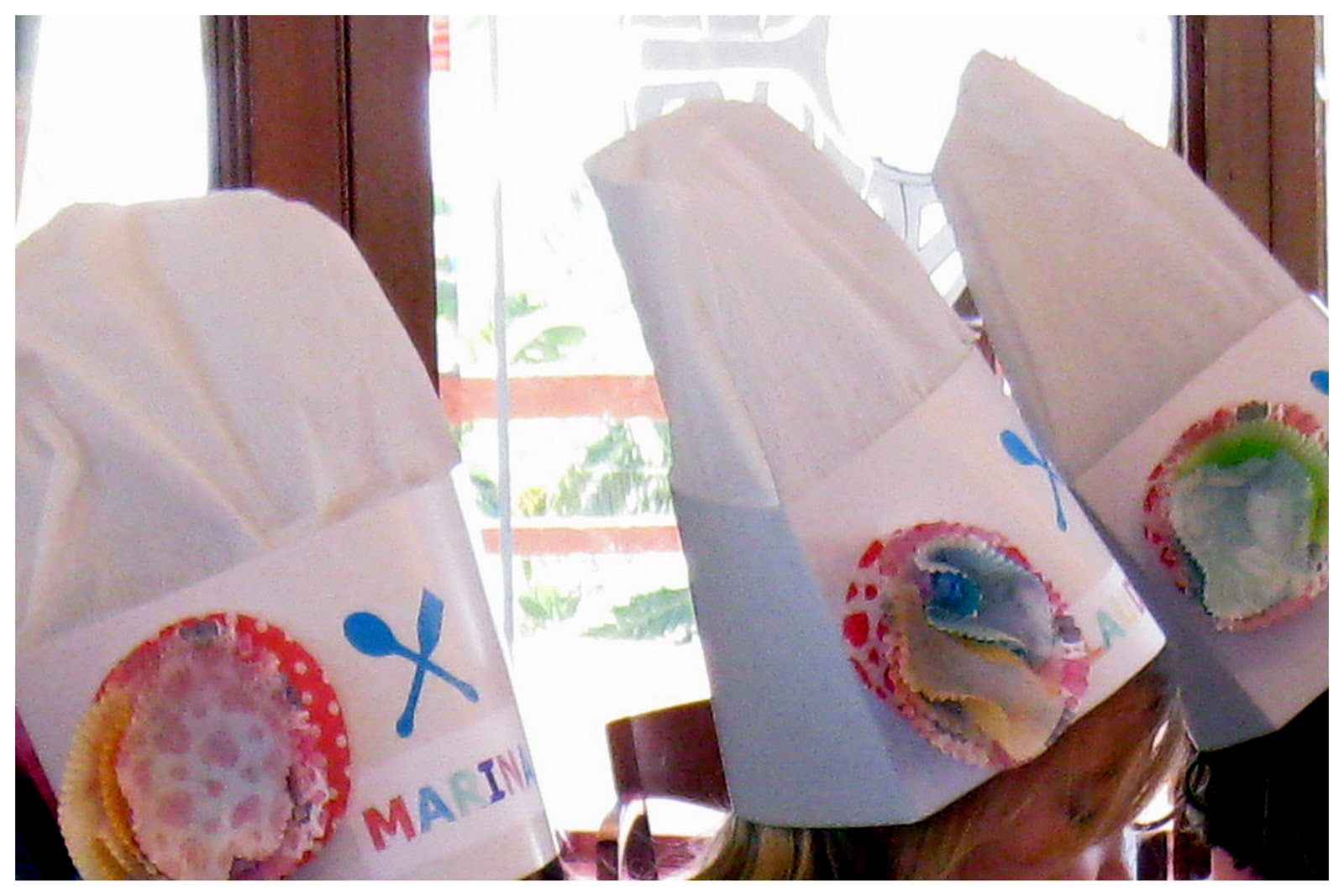 Como hacer un disfraz de panadero para ni o papel buscar - Delantales y gorros de cocina para ninos ...