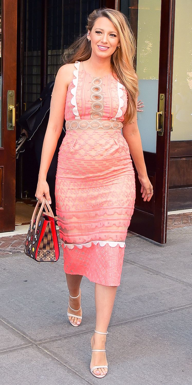 Blake Lively Embraces Cutouts in Her Latest Curve-Hugging Maternity ...