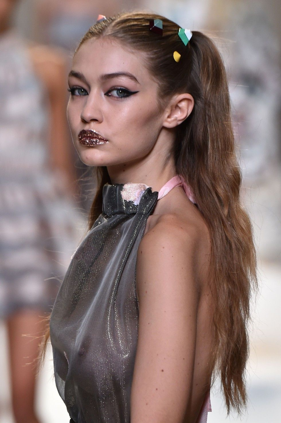 You Have To See The Super Strange Hair Accessories Bella And Gigi