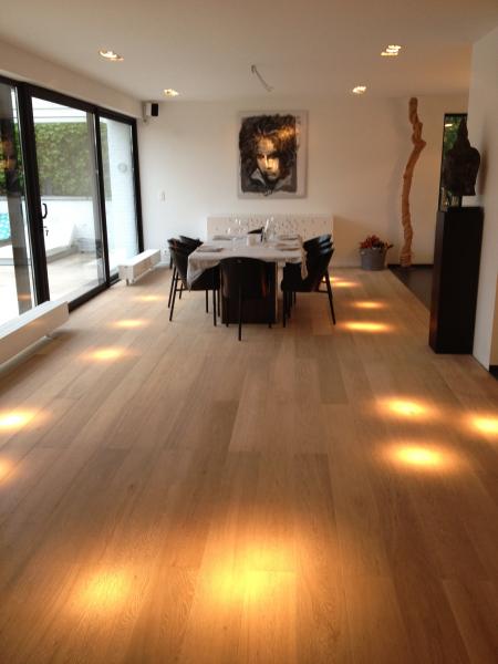 parquet ch ne semi massif loire dans une salle manger parquet n 1 salle manger. Black Bedroom Furniture Sets. Home Design Ideas