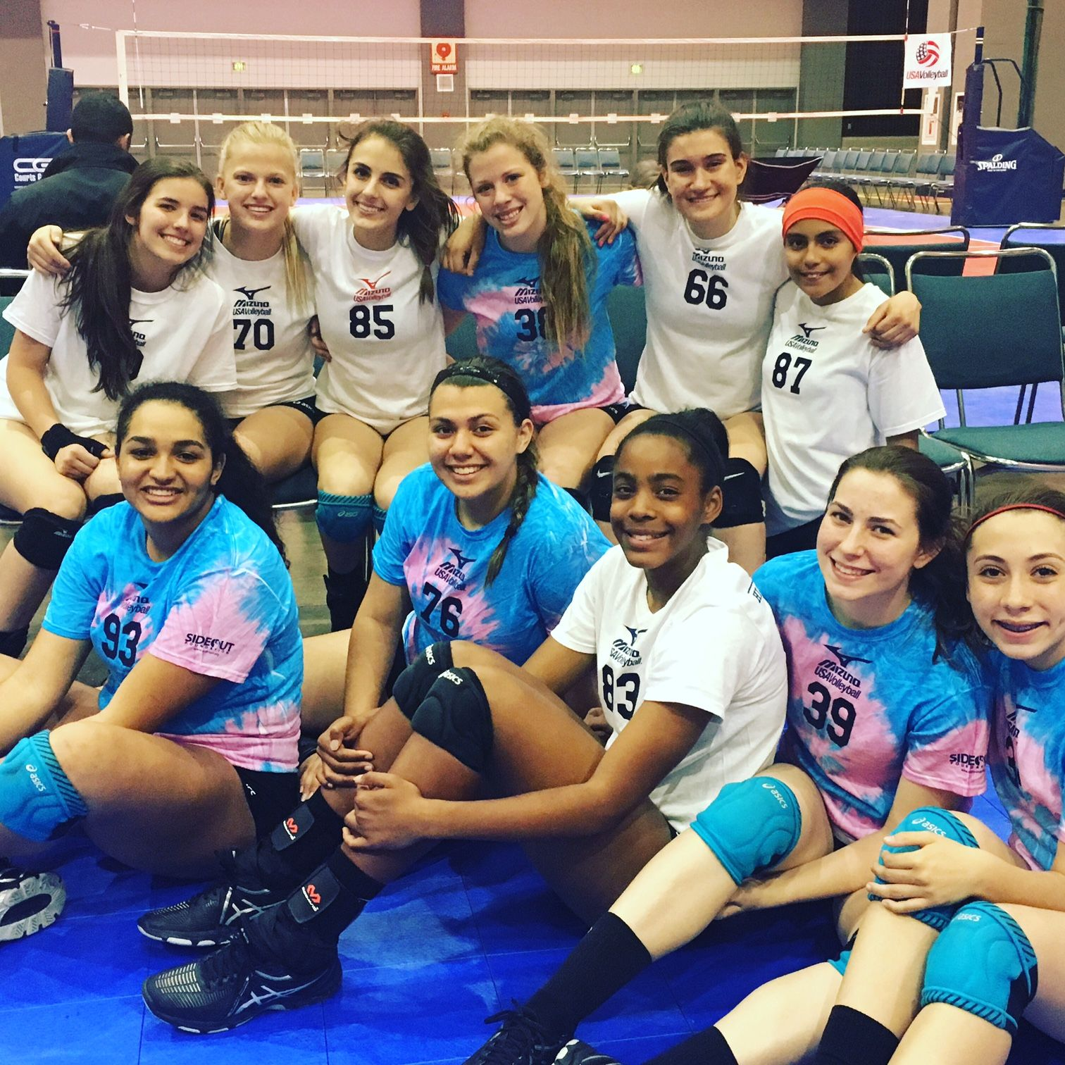 Cougars And Panthers At The 2016 Usa High Performance Tryouts At The La Convention Center Volleyball Training Volleyball Workouts Coaching Volleyball